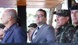 Alan Guedes prestigia troca de comando no Exército