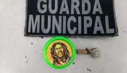 Guarda Municipal prende jovem com maconha e Praça