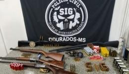 Polícia Civil desarticula comércio ilegal de armas e apreende arsenal em Dourados