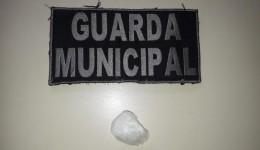 Guarda Municipal prende mãe por maus tratos após filha de um ano chupar pedra de crack