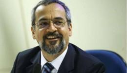 MEC anuncia remanejo no orçamento e libera R$ 1,1 bilhão para federais.