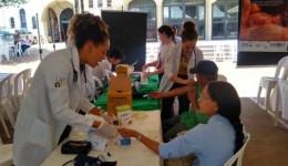 UFGD leva serviços à população na praça Antônio João hoje