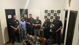 Ação conjunta prende acusados de envolvimento na morte de taxista e recupera veículo.
