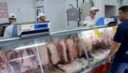 Preço da carne não vai voltar ao que era antes, diz ministra