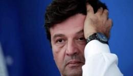 Demissão de ministro da saúde é dada como certa ; Mandetta não confirma