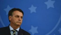 Bolsonaro corre risco de impeachment se não mostrar exame da Covid-19, diz Barroso