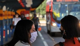 Câmara dos Deputados vota nesta segunda projeto que obriga uso de máscara