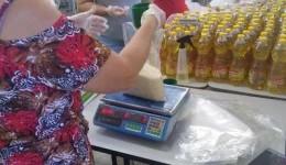 Rede estadual de ensino faz montagem e distribuição dos kits de alimentação escolar