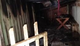 Casa pega fogo e morador é encontrado morto na Vila Cachoeirinha