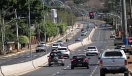 Agosto é mês de licenciar veículos de placas com final 7 e 8