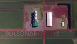 Bolsonaro visita fazenda que o homenageou em Maracaju