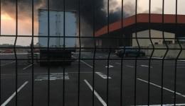 Fogo no Atacadão mobiliza bombeiros e assusta moradores
