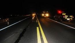 AGORA: Acidente na BR-267 envolvendo Belina e carreta deixa 8 mortos; 2 são crianças