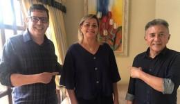 Odilon e bispo Marcos declara apoio à candidata a vereadora Pastora Lurdinha