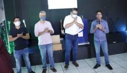 Conped dá posse à nova diretoria e prefeito eleito participa de solenidade