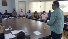 Alan Guedes encontra caixa da prefeitura sem dinheiro para pagar folha de dezembro
