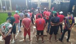 Força-Tarefa leva 59 pessoas para delegacia e apreende até caminhão de leite