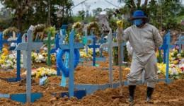 Auxílio emergencial poderá ser renovado se mortes não caírem, diz Guedes
