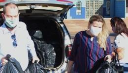 Daniela Hall reforça campanha do agasalho e arrecada mais de 2.300 peças de roupas e cobertores.
