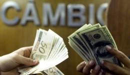 Dólar tem pequena queda e fecha a R$ 5,26
