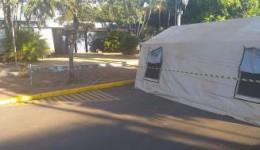 Tendas são montadas  em frente ao Hospital da Vida pela Defesa Civil