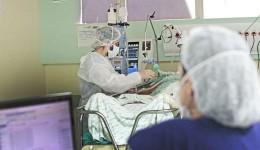 Com hospitais superlotados, Prosseguir sobe municípios de bandeira e impõe medidas mais rígidas contra a pandemia