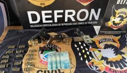 Dupla é presa por suspeita de tráfico de drogas e podes de armas de fogo