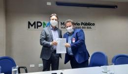 Câmara de Dourados apresenta ao MPE anteprojeto do novo PCCR