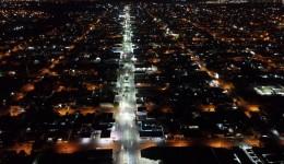 Mais de 3 km de iluminação na Hayel Bon Faker são entregues pela Prefeitura de Dourados