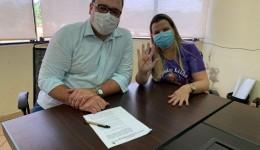 Prefeito Alan Guedes sanciona o Programa de Cooperação e Código sinal vermelho contra violência doméstica