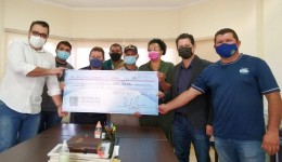 Renato Câmara entrega R$ 80 mil reais para Saúde de Dourados